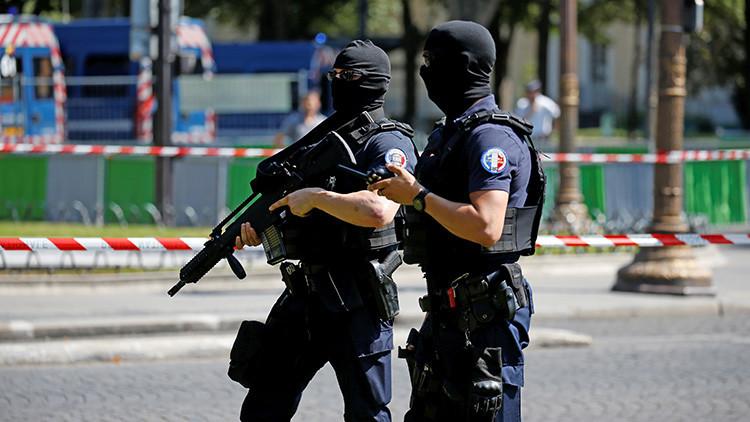 Francia: Hallan un lanzamisiles, explosivos y armas en un cuarto de bicicletas
