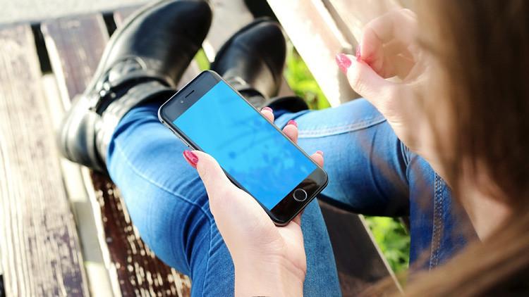 Roba el iPhone de una chica y lo devuelve a la Policía asustado por una historia escalofriante