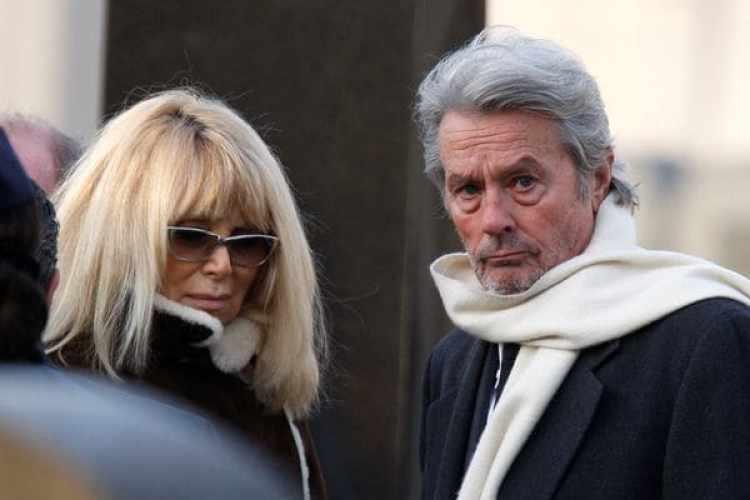 Alain Delon y Mireille Darc en 2009 (REUTERS/archivo)
