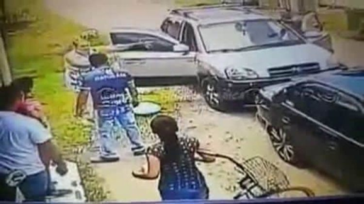 La mujer regresó a la panadería con su marido