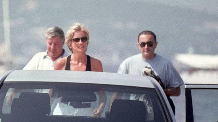Diana, en un paseo por el Mediterráneo con Dodi al Fayed, pocos meses antes de su muerte