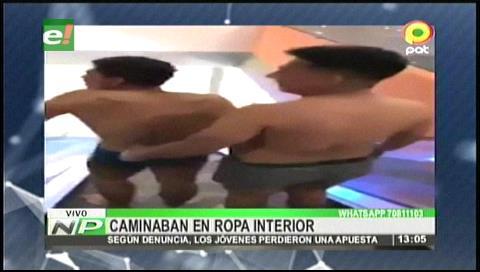 Santa Cruz: Jóvenes caminaban en ropa interior en un Centro Comercial