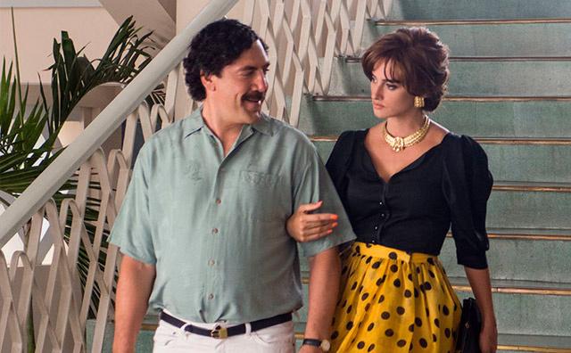 Javier Bardem y Penélope Cruz caracterizados como Pablo Escobar y Virginia Vallejo.