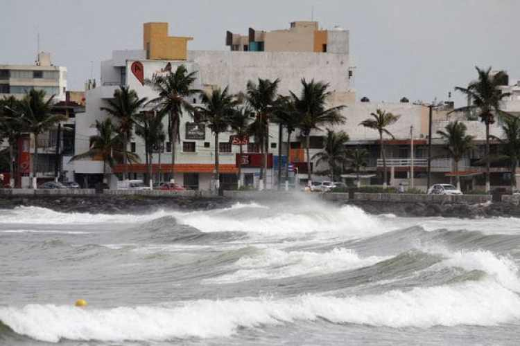 Las costas de Veracruz que esperan la llegada del huracán Katia. (REUTERS/Victor Yanez)