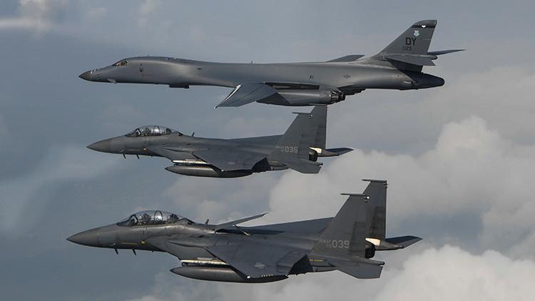 Cazas y bombarderos supersónicos de EE.UU. simulan bombardeos en la península de Corea