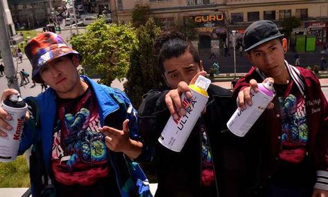 Grafiteros en el concurso de murales y grafitis contra el