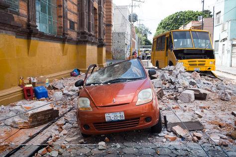 Vista de daños en la ciudad de Puebla, este martes 19 de septiembre de 2017, tras el terremoto de magnitud 7 en la escala de Richter que sacudió hoy con violencia el centro de México. Foto: EFE