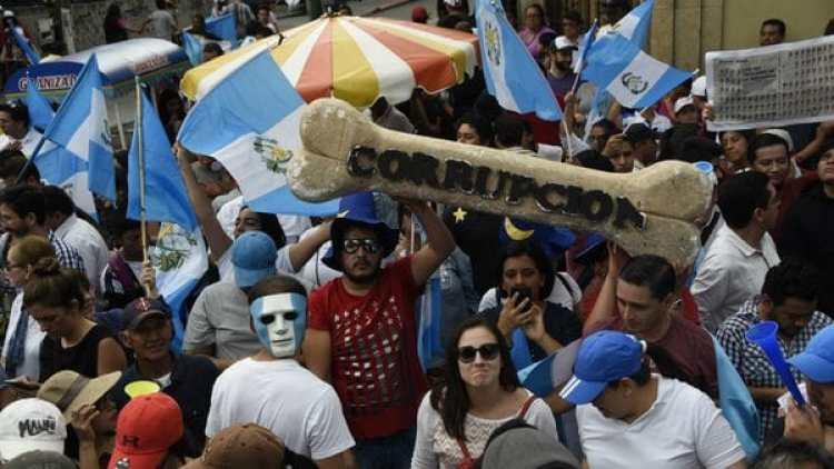 La protestas en Guatemala ante los casos de corrupción que fueron denunciados han sido multitudinarias. (AFP)