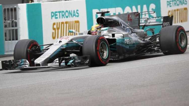 Hamilton, líder del Mundial, ha conseguido el mejor tiempo en la clasificación del GP de Malasia (Reuters)