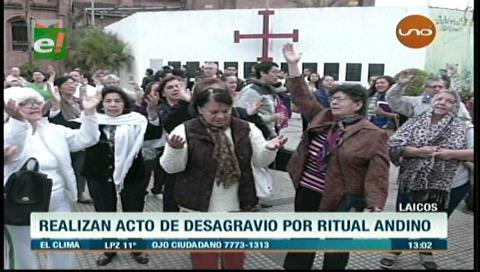 Católicos laicos realizaron un acto de desagravio por el ritual andino