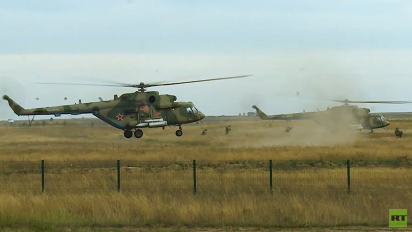 VIDEO: Así entrenan aviones y helicópteros militares de Rusia y de Serbia