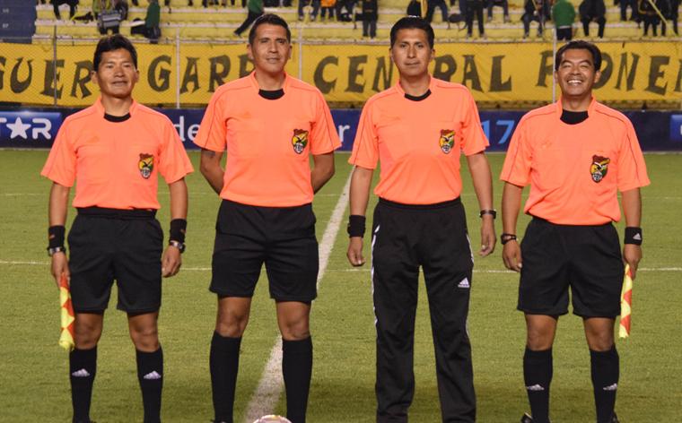 Resultado de imagen de La Liga del Fútbol Profesional Boliviano (LFPB) nominó el jueves, los árbitros
