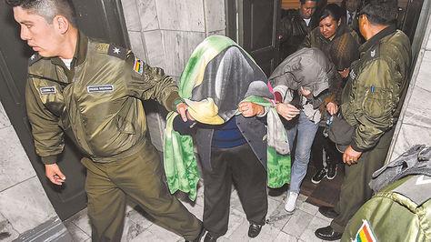 Dos aprehendidas por el desfalco a Banco Unión van a audiencia.