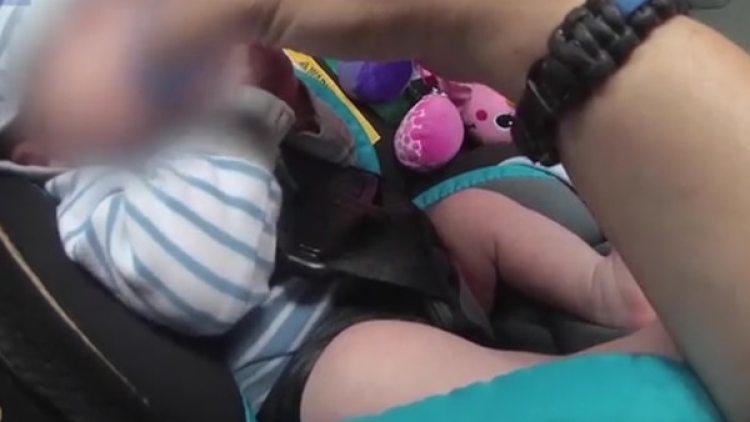 Cuando la policía llegó se encontró con los bebés llorando