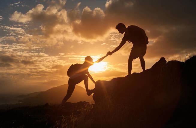 Uno también puede ayudar a los demás por razones egoístas. (iStock)
