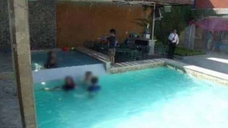 La piscina donde el supuesto pederastra abusaba de los menores
