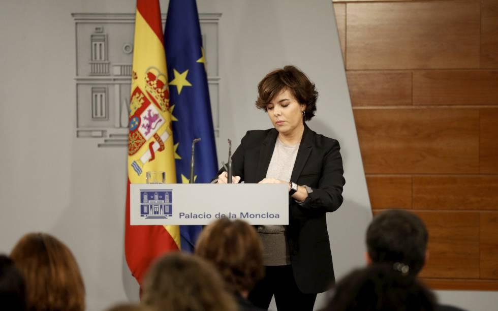 La vicepresidenta Soraya Sáenz de Santamaría, en La Moncloa.