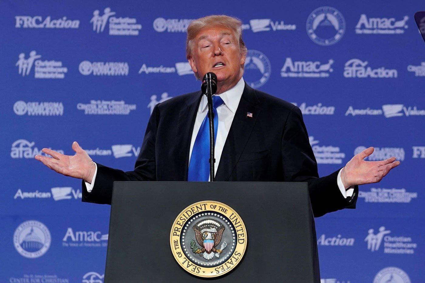 El presidente de Estados Unidos, Donald Trump, habla en un encuentro político en Washington. 13 de octubre 2017. REUTERS/Yuri Gripas