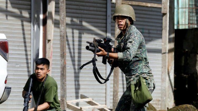 Un soldado filipino durante los combates en Marawi (Reuters/archivo)