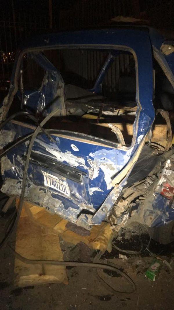 Uno de los vehículos afectados por el accidente de tránsito.