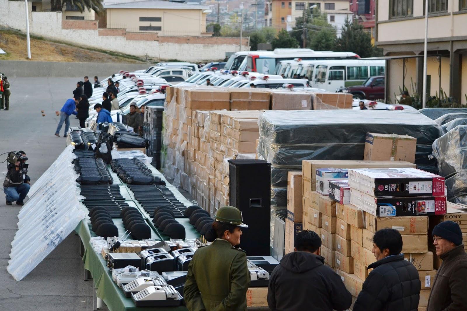 Resultado de imagen para Gobierno boliviano entrega equipos e insumos