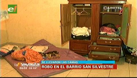 Delincuentes roban hasta las camas en un domicilio en la Tres Pasos al Frente