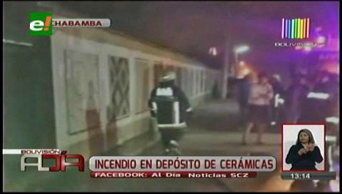 Cochabamba: Se registró incendio en un depósito de cerámicas
