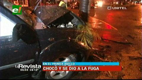 Camioneta impacta contra un árbol en el primer anillo, el conductor huyó