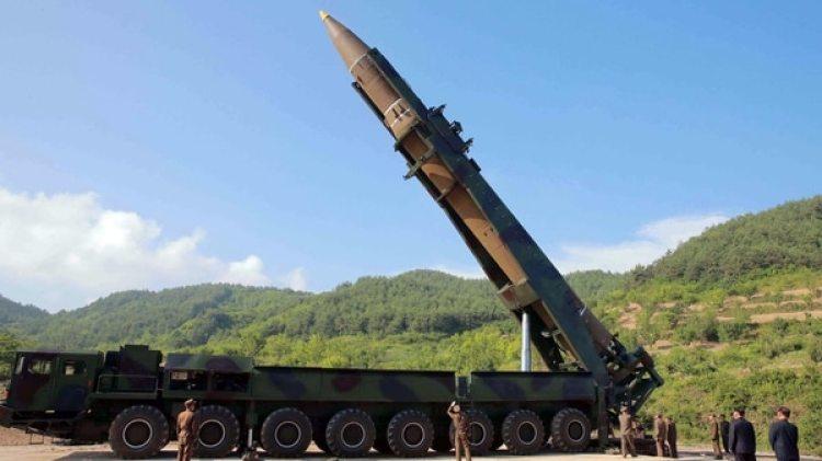 Un misil balísticoHwasong-14 de Corea del Norte(Reuters/KCNA)