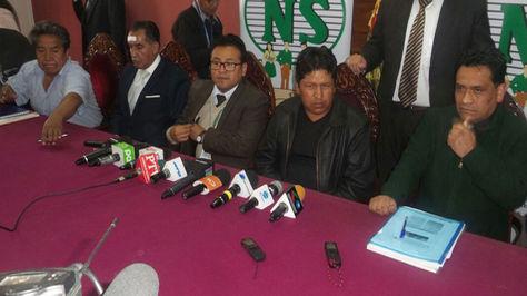 Directorio y gerencia de la CNS en conferencia de prensa la tarde de este martes en La Paz