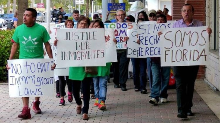 A la audiencia acudieron familias inmigrantes y activistas migratorios que se movilizaron a la capital de Florida desde las ciudades de Miami, Tampa y Orlando