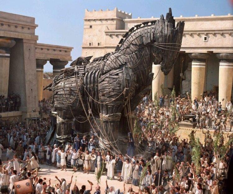 """El caballo de Troya como aparece en la película """"Troy"""""""