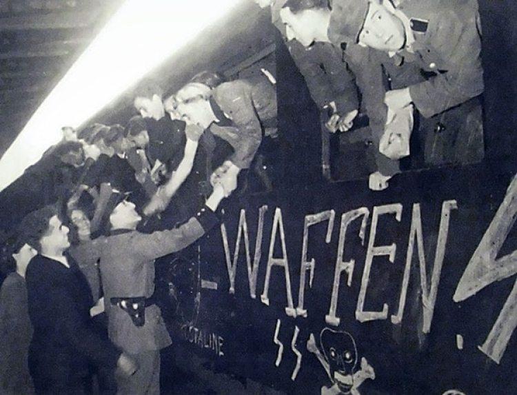 Los soldados formados bajo la Waffen SS no fueron ni más valientes ni más bravos que sus pares de la tradicional fuerza regular militar alemana. Sólo los distinguía su emparentamiento ideológico con el nazismo