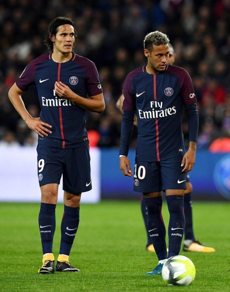 Cavani y Neymar habían tenido un cortocircuito en un partido (AFP)