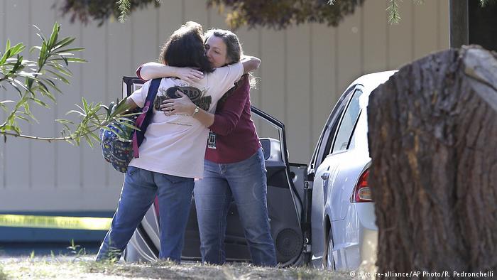 USA Schießerei in Kalifornien (picture-alliance/AP Photo/R. Pedronchelli)