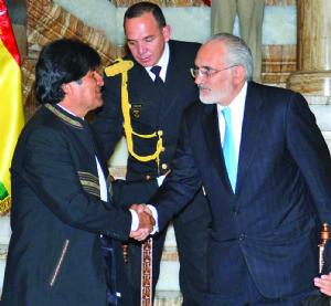 EEUU y espionaje, nueva trama entre Morales y Mesa