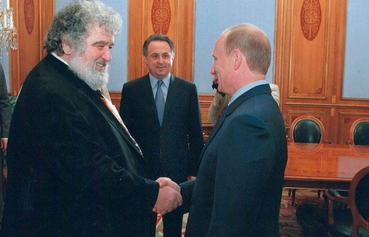 Blazer con Vladimir Putin: solía tomarse fotos con famosos y hombres de poder para su blog