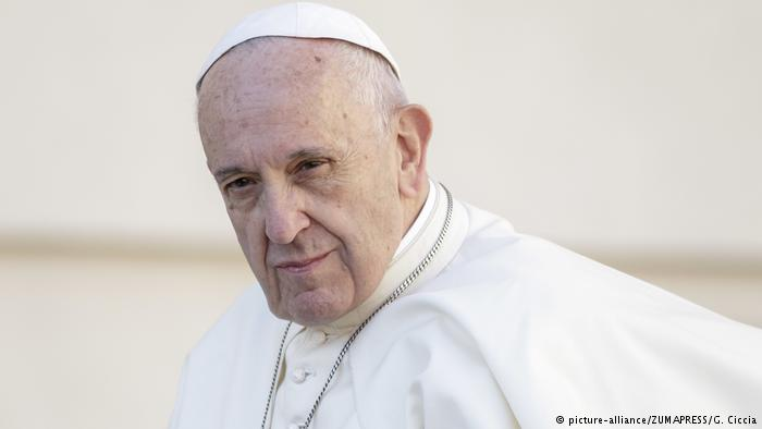 Vatikanstadt   Papst Franziskus bei wöchentlicher Audienz (picture-alliance/ZUMAPRESS/G. Ciccia)