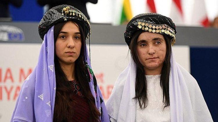 Nadia Murad (izquierda)