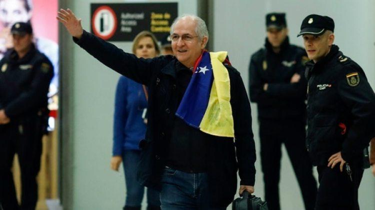 Antonio Ledezma al llegar a España