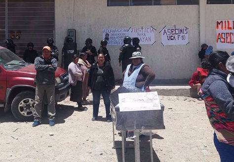 Protesta vecina por muerte de un ciudadano en Oruro