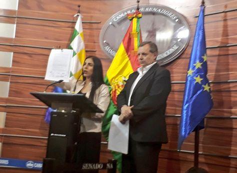Los presidentes de Diputados, Gabriela Montaño, y del Senado, Alberto Gonzales. Foto:Cámara de Senadores