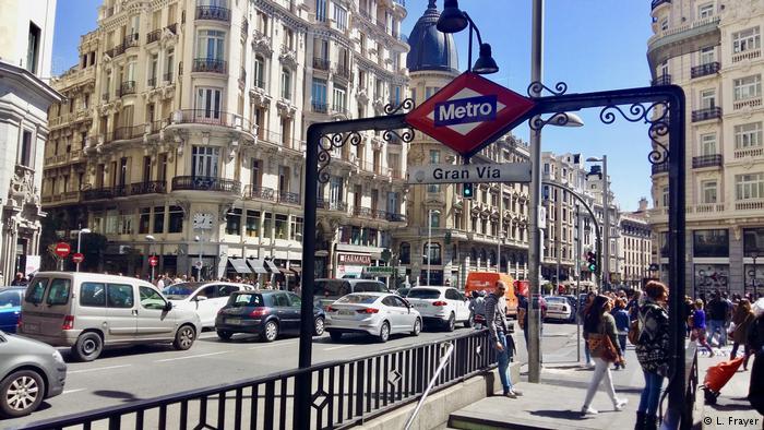 Spanien Stau auf der Gran Vía in Madrid (L. Frayer)