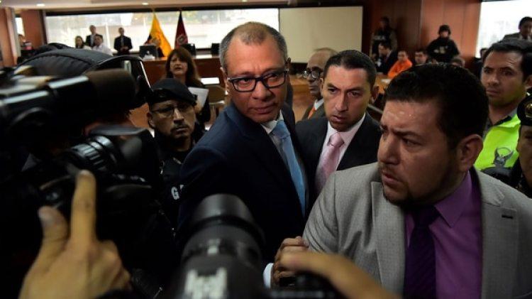 Jorge Glas llegando al tribunal para el primer día del juicio en su contra (AFP)