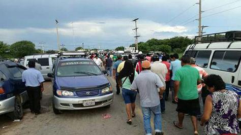 Levantan bloqueo en puente Río Grande, en Pailón.