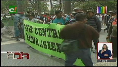 Mineros de Cochabamba cercaron la Gobernación