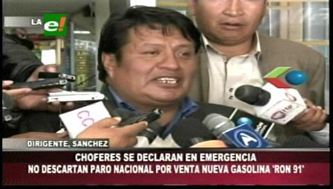 Choferes de La Paz se declaran en emergencia por la gasolina Ron91