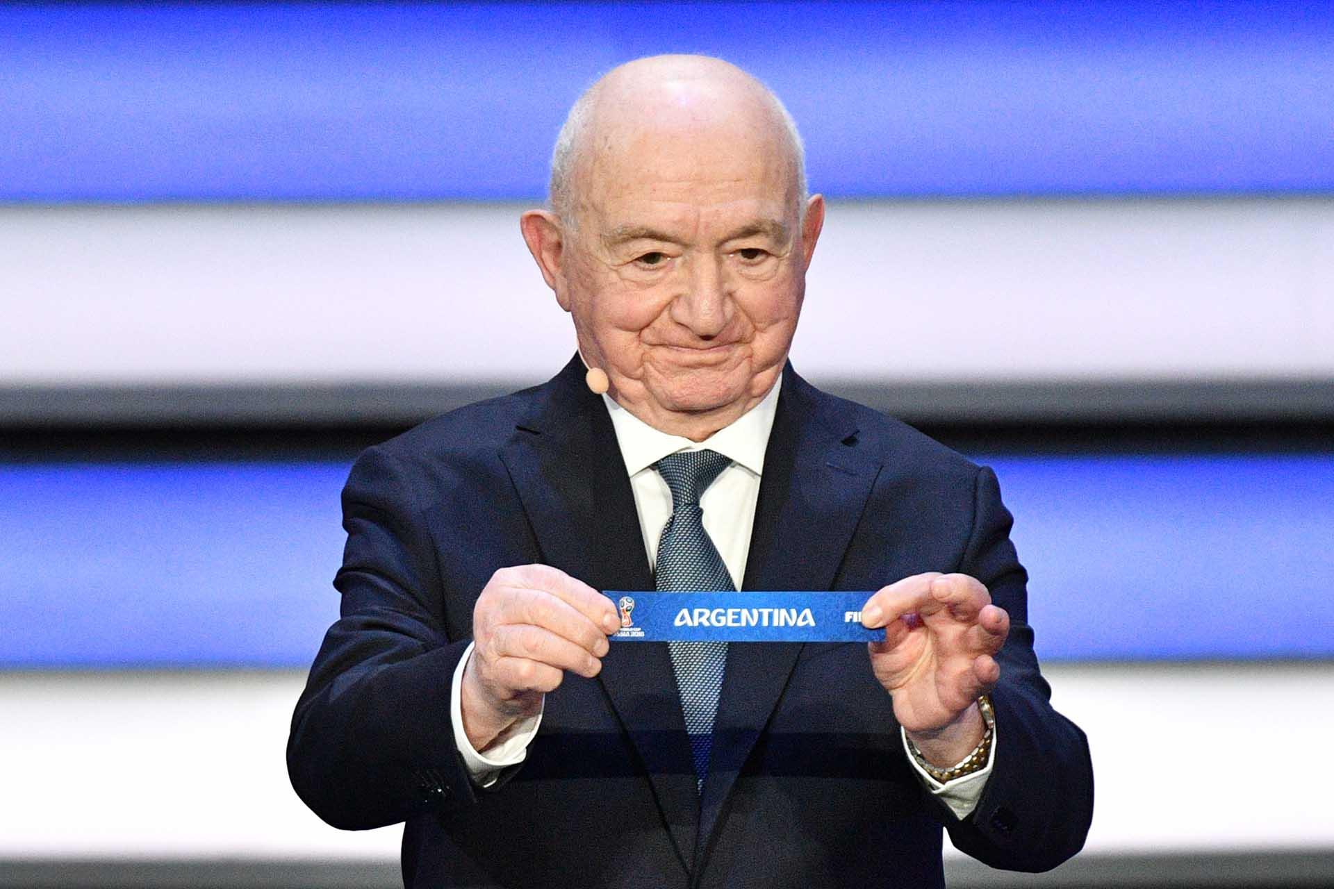 Nikita Simonyan exhibe el papel de Argentina, cabeza de serie del grupo D(AFP PHOTO / Mladen ANTONOV)