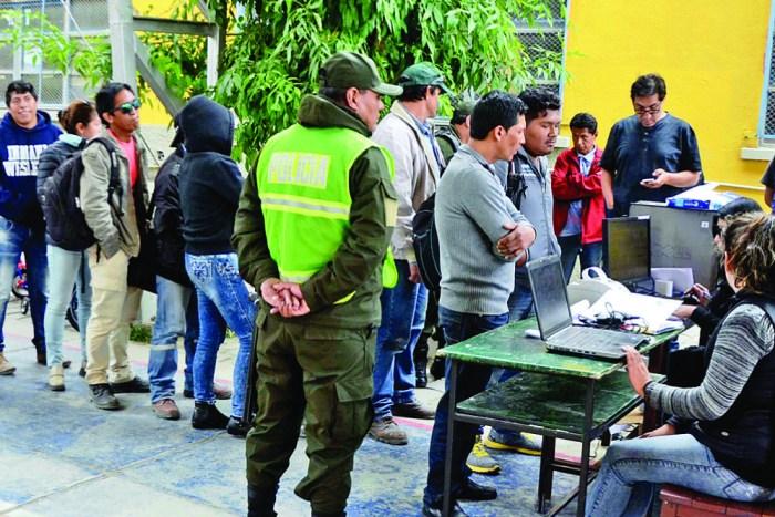 Cayeron 31 prófugos por droga cuando hacían fila para votar
