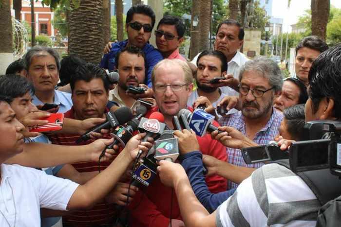 Oliva, Cardozo y Guzmán miden fuerza desde el sur